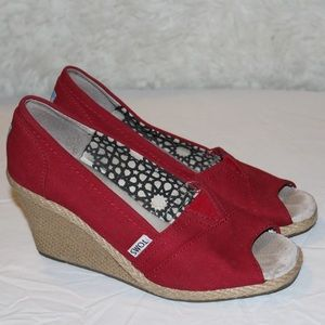 Toms red peep toe canvas wedges